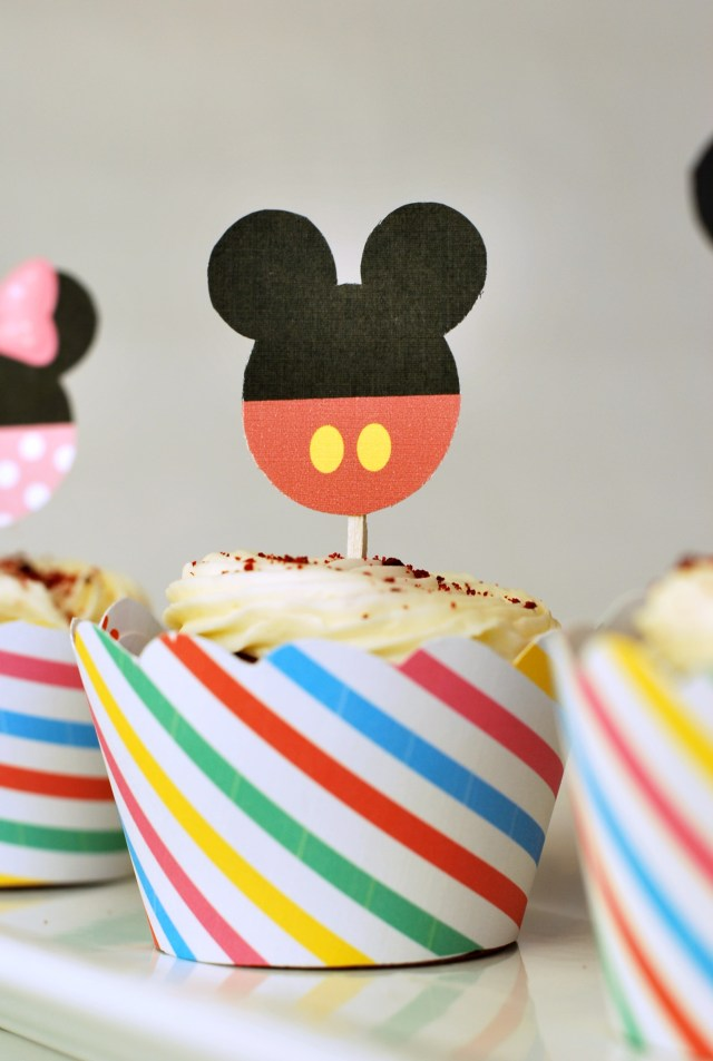 Free Mickey and Minnie Cupcake Wrappers and Toppers